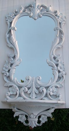 love this one tooo White Mirror, Diy Mirror, Wall Mirror, Frame Shelf, Wood Carving Designs, Beautiful Mirrors, Wooden Art, Through The Looking Glass, Vintage Frames