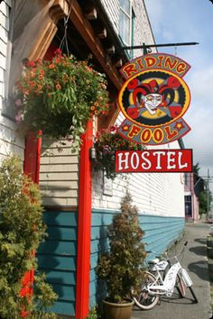 The Riding Fool Hostel Accomodations in Cumberland, BC on Vancouver Island, British Columbia, Canada