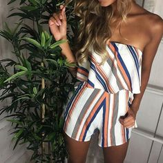 LOSSKY Summer Sexy V-neck Ruffles Print Loose Women's Jumpsuit Romper Playsuit Jumpsuits For Women 2018 Combinaison Femme Rompers Women, Jumpsuits For Women, Fashion Jumpsuits, Day Drinking Outfit, Drinks Outfits, Red Playsuit, Short Playsuit, Vintage Clothing, Classy Outfits