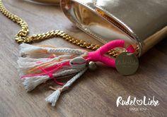 Anhänger KARMA  Ob an deinem Schlüsselbund, deiner Handtasche oder an der Hundeleine - bist du bereit für den Sommer 2017?  #quaste #tassel #hippie #hund #boho #dog #halsband #leine #bohochic #tauwerk #tau