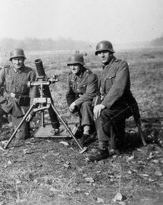 Mortar crew  WW2