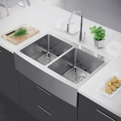 Charmant Exclusive Heritage 33 X 22 Double Bowl 50/50 Stainless Steel Kitchen  Farmhouse Apron Front Sink (Sink + Strainer), Silver