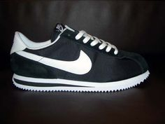 Cortez - I had them in Pink and a pair in Purple ( Go figure) They call them Classics NOW... lol Old Nike Shoes, Nike Cortez Shoes, Black Nike Shoes, Baskets, Back To School Shoes, Chola Style, Black Nikes, Shoe Collection, Me Too Shoes
