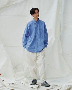 Boy Fashion, Mens Fashion, City Boy, Japanese Fashion, Summer Looks, Get Dressed, White Jeans, Fashion Brands, Bomber Jacket