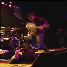 FRERARD awwww GERARD WAY AND FRANK IERO MY CHEMICAL ROMANCE they should be together :3