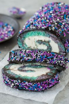 Galaxy Cake Roll 12 Swiss Roll Cakes That Don't Come In A Plastic Wrapper Galaxy Desserts, Köstliche Desserts, Delicious Desserts, Dessert Recipes, Yummy Food, Valentine Desserts, Delicious Chocolate, Swiss Roll Cakes, Cake Roll Recipes