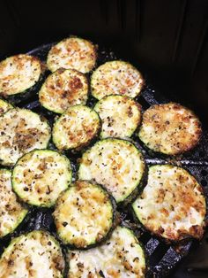 Side dishes don't get easier or more delicious, yummy zucchini crisped to perfection in the air fryer! Garlic Parmesan Air Fryer Zucchini - Garlic Parmesan Air Fryer Zucchini - Cooks Well With Others Air Fryer Oven Recipes, Air Fry Recipes, Air Fryer Dinner Recipes, Keto Recipes, Yummy Recipes, Healthy Recipes, Yummy Yummy, Delish, Yummy Food