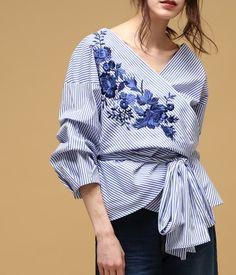 Blouse Styles, Blouse Designs, Rare Clothing, Lesage, Fashion Outfits, Fashion Tips, Fashion Design, Japan Fashion, Clothing Patterns