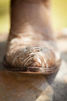 ♥ on the end of your boots! That would be a cooool picture! Learn about #HorseHealth #HorseColic www.loveyour.horse Boots for Horse Riders
