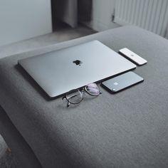 Apple Laptop Macbook, Macbook Skin, Macbook Pro Tips, Apple Mobile Phones, Apple Smartphone, Accessoires Iphone, New Ipad Pro, Best Computer, Apple Mac