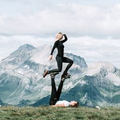yoga poses for partner, partner acro yoga, yoga couple poses, yoga couple poses boyfriends Couples Yoga Poses, Acro Yoga Poses, Yoga Poses For Two, Partner Yoga Poses, Fit Couples, Dance Poses, Yoga Pictures, Yoga Photos, Iyengar Yoga