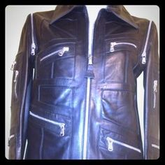 I just added this to my closet on Poshmark: DOLCE & GABBANA LEATHER COVERTIBLE JACKET and VEST. Price: $899 Size: S