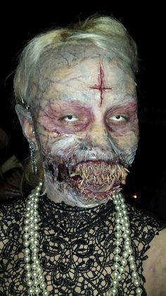 Special fx halloween makeup. Holy! This is awesome!!!!!