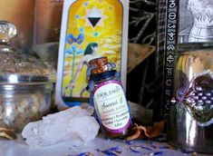 Frankincense Resin, Witch Potion, Witch Bottles, Witch Shop, Ancient Recipes, Amethyst Stone, Drying Herbs, Jojoba Oil, Potpourri