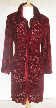 The last of last season's stock - but still ever so fashionable. From Marie-S. Shawl, Fur Coat, Burgundy, Silk, Jackets, Clothes, Collection, Ebay, Fashion