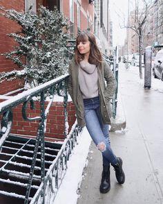"""28.3k Likes, 81 Comments - Giovanna Ferrarezi (@giovannaferrarezi) on Instagram: """"Primeiro dia de viagi com minha parka show de bola da @ladyrockoficial 🍃A calça também é de lá e…"""""""