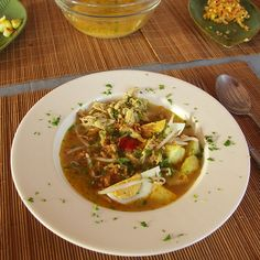 Soto Ajam - Sop Ajam - Indonesian food - by my boyfriend Kokkie Slomo (www.kokkieslomo.nl)