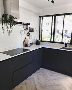 Minimal Kitchen Design, Luxury Kitchen Design, Kitchen Room Design, Home Decor Kitchen, Interior Design Kitchen, Black Kitchens, Home Kitchens, Grey Kitchen Inspiration, Kitchen Dining Living