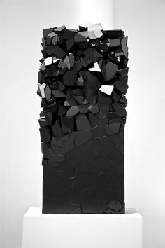 Details we like / Sculpture / Black / Pattern 7 Stones / deconstruction / at Iamadreamer