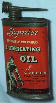 Home Garage Ideas Vintage Oil Cans, Vintage Bottles, Vintage Tins, Vintage Trucks, Vintage Antiques, Antique Art, Old Gas Pumps, Vintage Gas Pumps, Old Gas Stations
