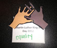 MLK FREEBIE craft magnet and links to videos appropriate for different age groups.
