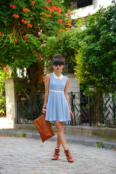 Dress Minkpink, Bag Les Composantes, Necklace Dress Gallery, Boots Mango