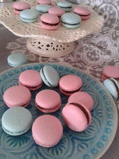 Mariannkonyha: Macaron .... újra :) Winter Food, Fun Desserts, Macarons, Fudge, Food And Drink, Baking, Breakfast, Cake, Sweet