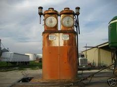 Twin 850 Old Gas Pumps, Vintage Gas Pumps, American Pickers, Old Gas Stations, Oil And Gas, Hot Rods, Twin, Old Things, Memories