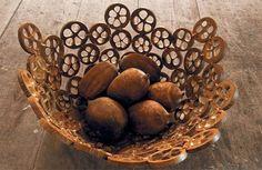 Centro de mesa feito com o coco da palmeira de babaçu, Tocantins.
