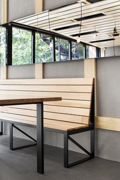Au Pain Doré is a minimalist interior located in Montreal, Canada, designed by… Banquette Restaurant, Restaurant Booth Seating, Cafe Seating, Restaurant Furniture, Restaurant Design, Banquette Seating, Industrial Apartment, Industrial Bedroom, Industrial House