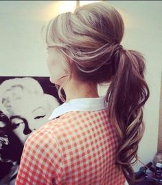Do you know how to get volume in your ponytail? Click and learn!