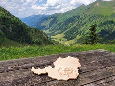 Österreich Jausenbrett mit Steiermark Brand Mountains, Nature, Travel, Wooden Platters, Carpentry, Schnapps, Boards, Gifts, Naturaleza