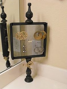 18 best Ideas for diy jewelry stand chicken wire - DIY JEWELRY Diy Earrings Stand, Diy Jewelry Stand, Jewelry Holder, Earing Holder, Earring Hanger, Jewelry Rack, Earring Tree, Jewelry Storage, Cnc Router