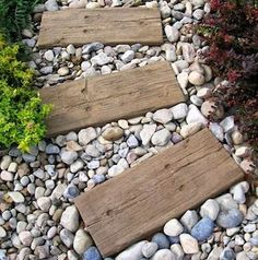 Spruce up your backyard on a budget with these cheap and easy DIY backyard ideas. From patio ideas to landscaping ideas, there are plenty of DIY projects to choose from that are guaranteed to work for big and small yards. Small Yard Landscaping, Cheap Landscaping Ideas, Backyard Ideas For Small Yards, Big Backyard, Cheap Paving Ideas, Cheap Backyard Ideas, Diy Garden Furniture, Pallet Furniture, Furniture Ideas