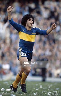 Diego Maradona of Boca Juniors in Legends Football, Football Icon, Best Football Players, Football Design, Football Pictures, Football Kits, Soccer Players, Football Soccer, Classic Football Shirts
