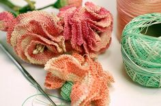 Thread crochet carnations vintage and made by wondertrading, via Flickr