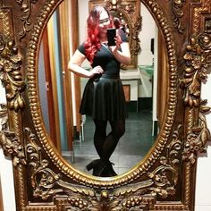 WEBSTA @ jacquelyn.art - Party skirt. Finally found a leather skirt that looks good. 😍#skirt #leatherskirt #leather #black #blackskirt #outfit #party #partydress #style #blackismyhappycolor #fashion #selfie #mirror #toiletselfie #dublin #ireland #mik #instakozosseg #instahun #redhead #makeup