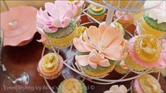 Vera's Peach and Green themed party - Cupcakes Party Cupcakes, Peach And Green, 1st Birthday Parties, Party Themes, Bridal Shower, Shabby Chic, Food, Shower Party, Essen