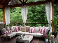 Screened Patio Curtain Decorating Ideas | ... Curtains for Porch and Patio Designs, 22 Summer Decorating Ideas
