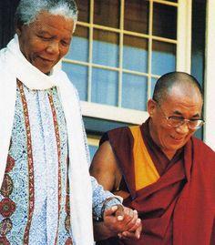 Nelson Mandela & the Dalai Lama, August 1996. [Roland de Bar photo]
