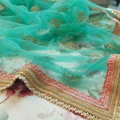 Saree Dress, Blouse Dress, Indian Dresses, Indian Outfits, Silk Thread Bangles, Work Blouse, Beautiful Saree, Indian Designer Wear, Cotton Saree