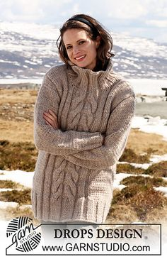 """Tunic in """"Eskimo"""" with cables mid front pattern by DROPS design"""
