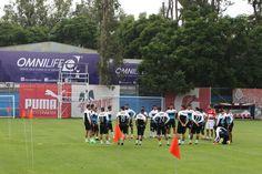 CHIVAS REGRESA A ENTRENAMIENTOS EL MIÉRCOLES PARA PARTIDO AMISTOSO El Rebaño aprovechará la pausa en el Torneo para preparar el partido amistoso que sostendrá con el Dynamo de Houston.