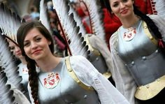 A modern take on winged hussars... Apparently a parade in Poland | < 166° xx https://de.pinterest.com/copperalia/winged-hussar/