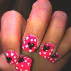 Disney nails. Cuteee. Which reminds me, I need to get off pinterest, stop pinning pins of nails, and actually paint my own nails. Lol