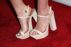 Miley-Cyrus-Feet-1224881.jpg (3000×2005)