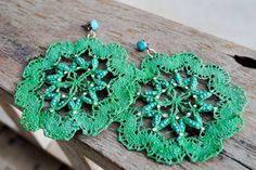 creations in Florence earrings Antique Lace, Green Colors, Florence, Dandelion, Crochet Earrings, Antiques, Passion, Sugar, Jewelry