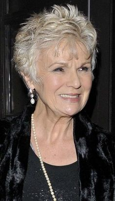 """Looking for Julie Walters Hairstyles? Find Julie Walters' latest hairstyle photos as well as some great """"blasts from the past"""". Short Hair Over 60, Chic Short Hair, Short Thin Hair, Short Grey Hair, Very Short Hair, Short Hair With Layers, Short Hair Cuts For Women, Short Spiky Hairstyles, Short Haircut Styles"""
