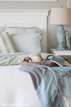 Make your own headboard with The Lilypad Cottage