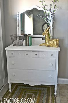 HOW TO MAKE YOUR OWN CHALK PAINT - Any Color...plus its super -easy and a very cool finish on any furniture.... Diy Chalk Paint Recipe, Make Chalk Paint, Homemade Chalk Paint, Chalk Paint Projects, Annie Sloan Chalk Paint, Chalk Painting, Painting Tips, Refinish Wood Furniture, Painted Furniture